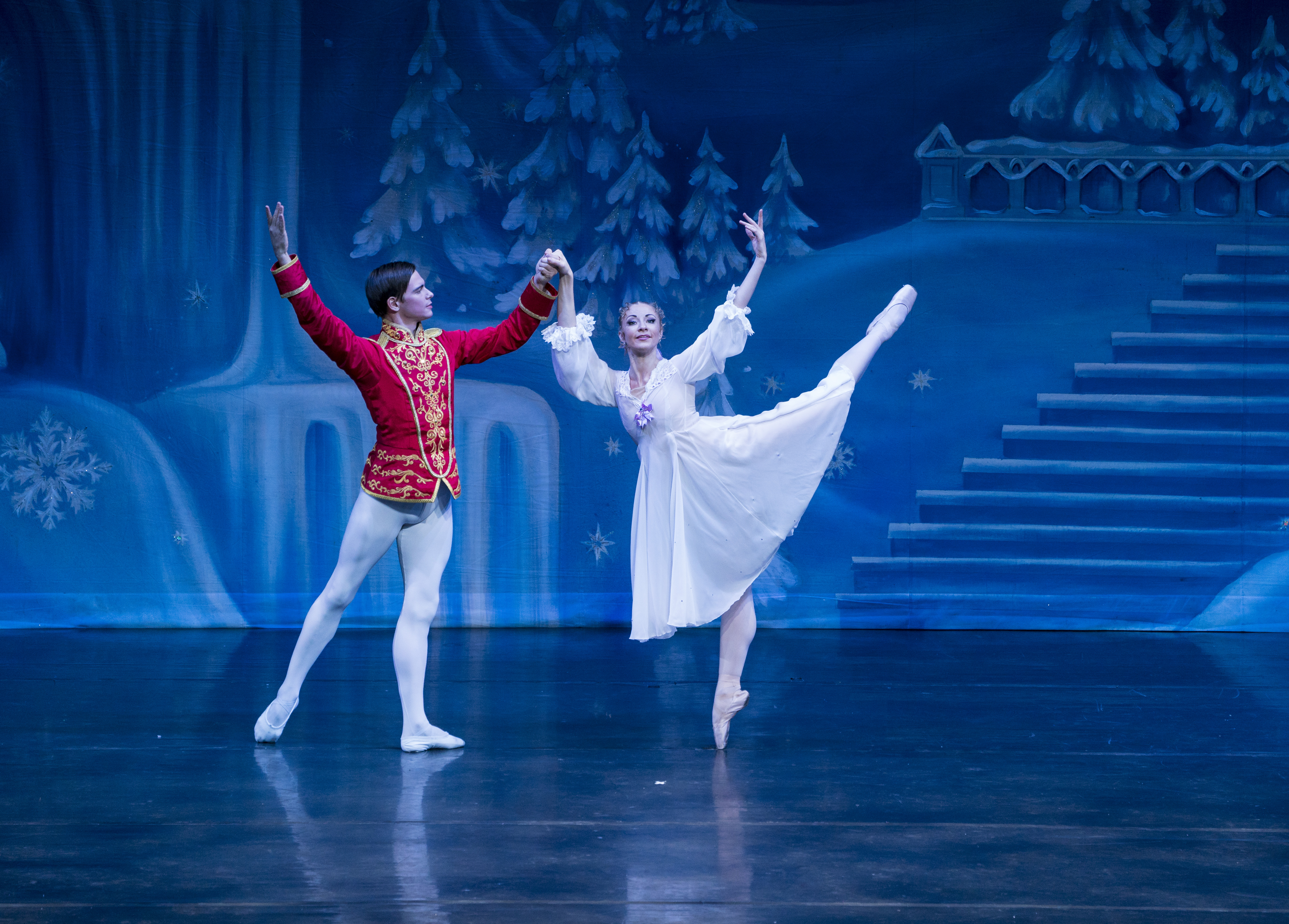 10. Masha and her Nutcracker Prince in the Great Russian Nutcracker