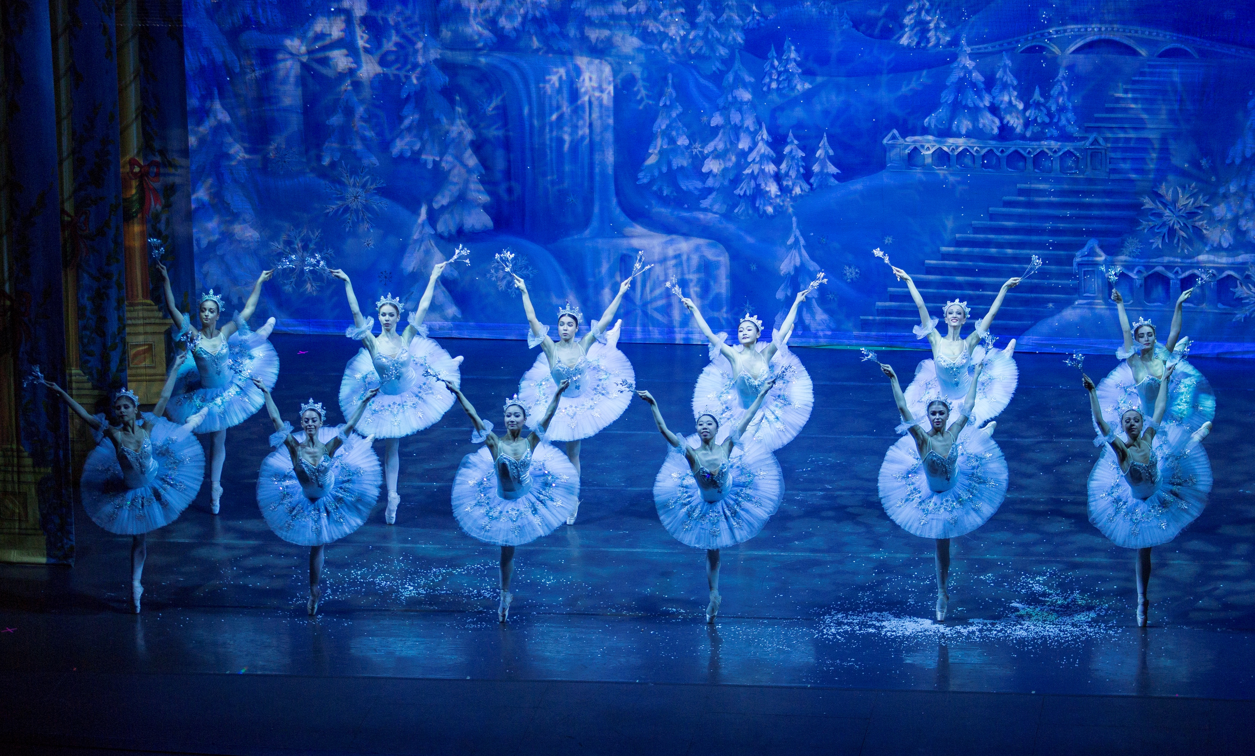 9 The Moscow Ballet Snowflakes, Set by Carl Sprague