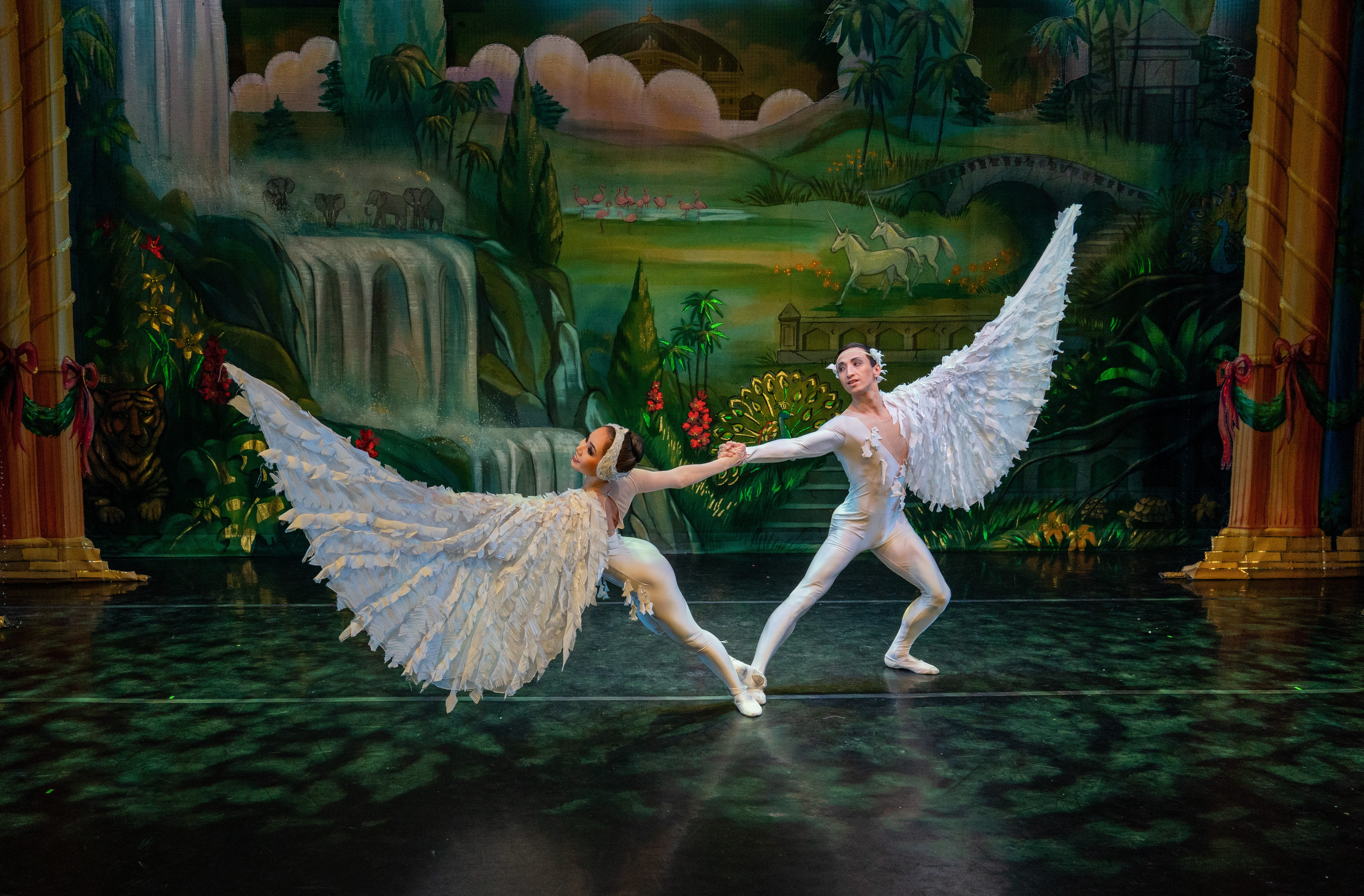 Moscow Ballet's Exclusive Dove of Peace in the Great Russian Nutcracker