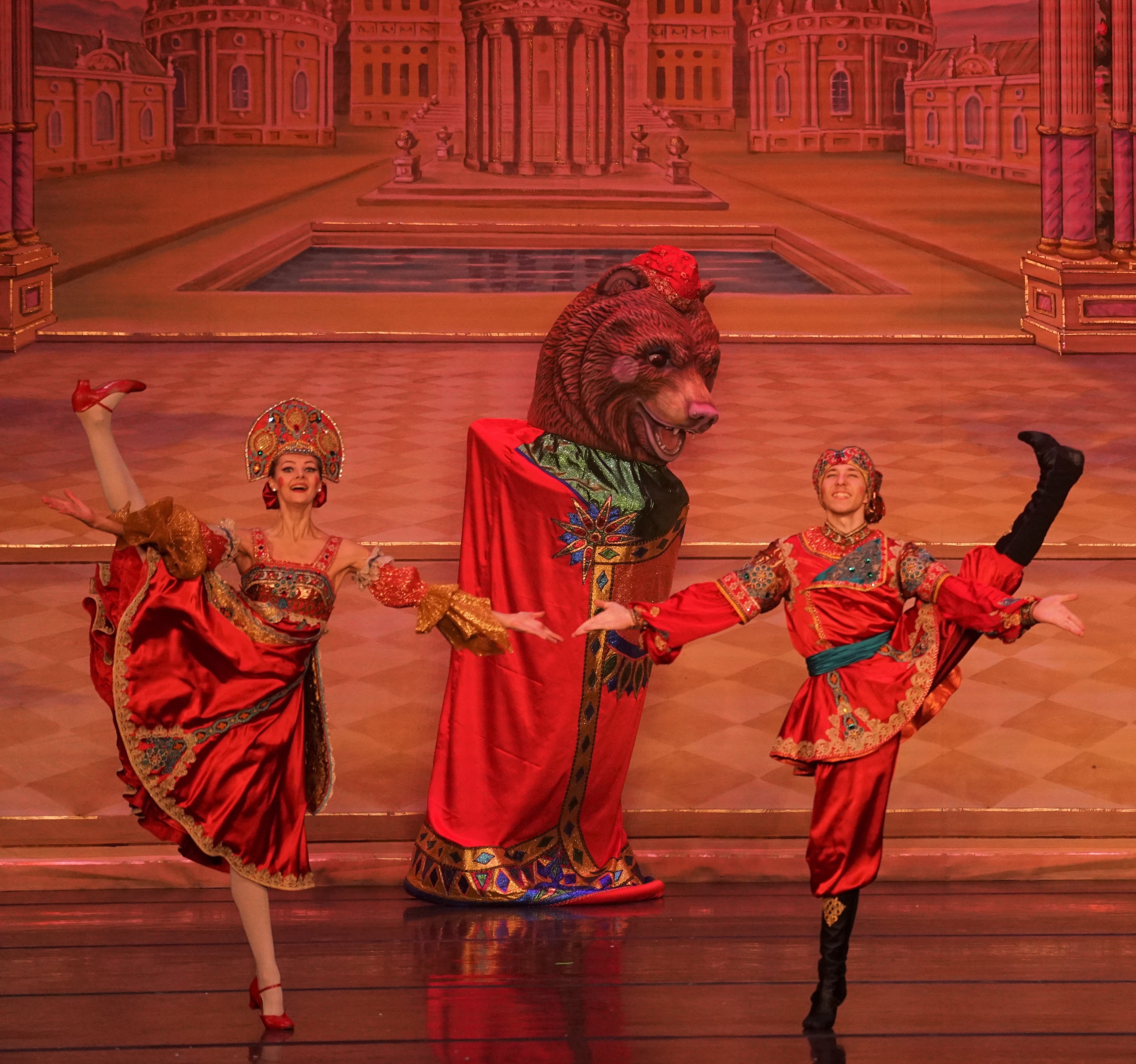 Moscow Ballet's Great Russian Nutcracker and the Russian Variation-1
