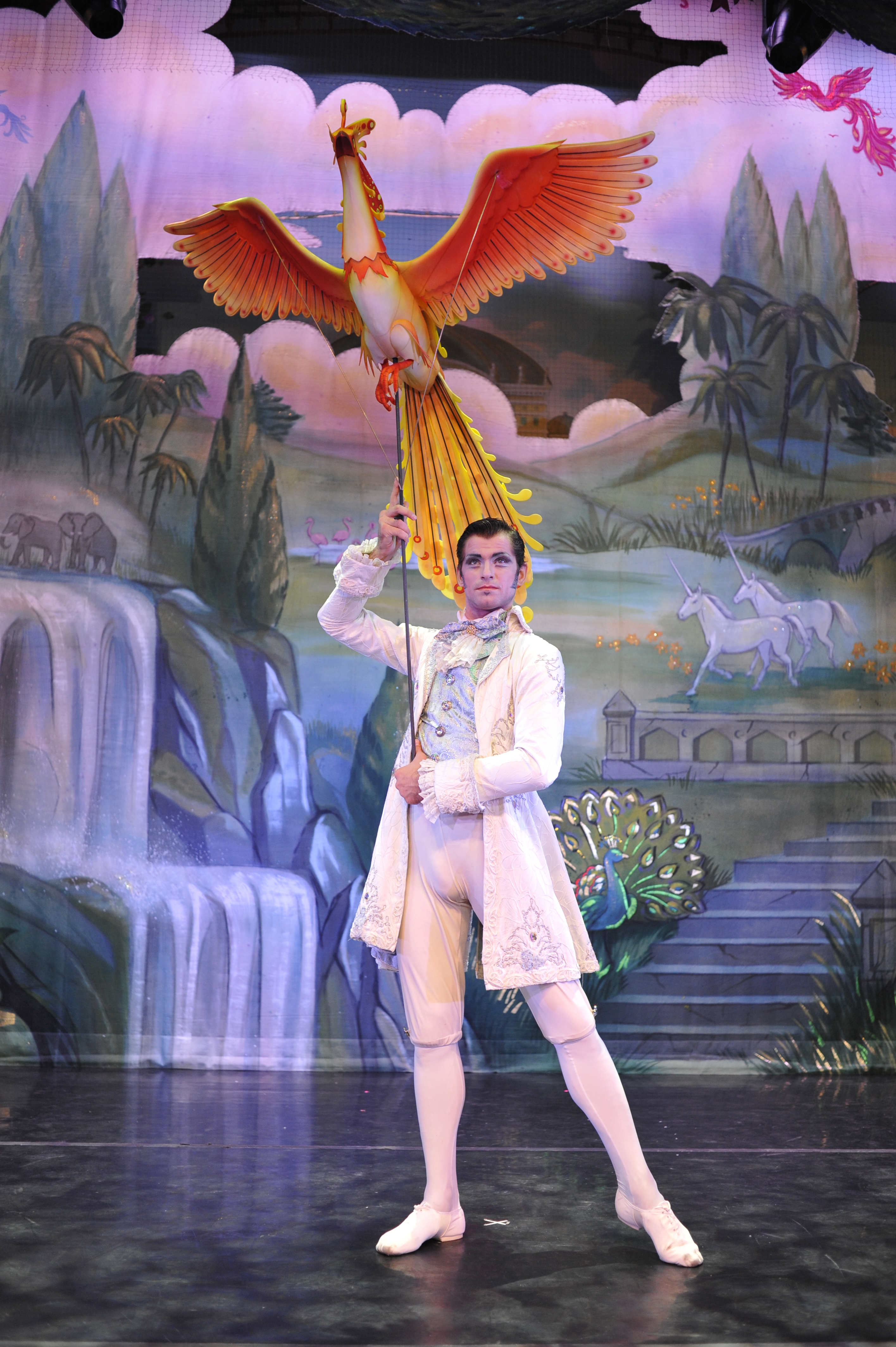 Moscow Ballet's Great Russian Nutcracker features flying birds by South Africa's Roger Titley