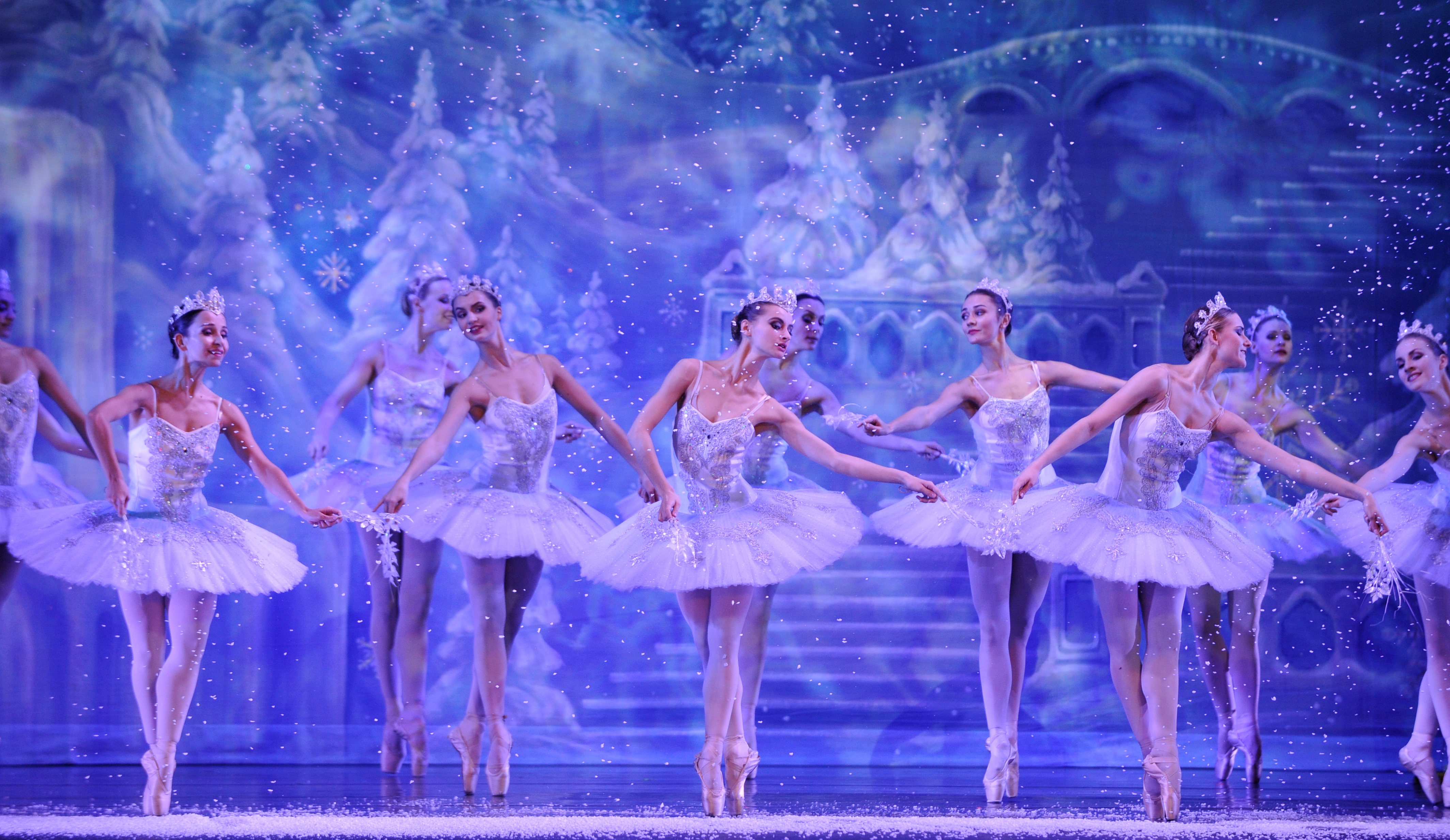 Moscow Ballet's Waltz of the Snow Forest