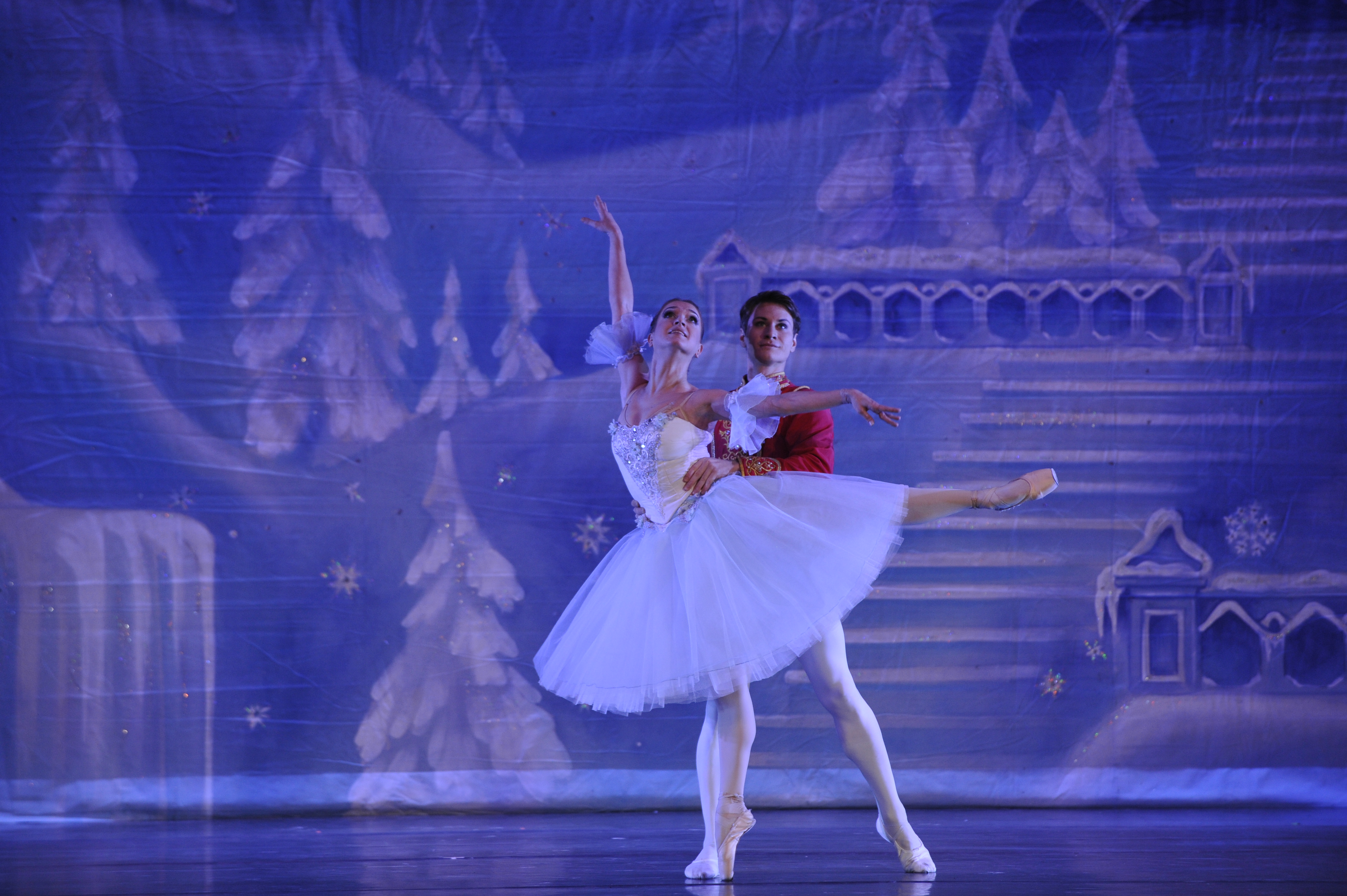 Moscow Ballet's Great Russian Nutcracker - Masha and her Nutcracker Prince