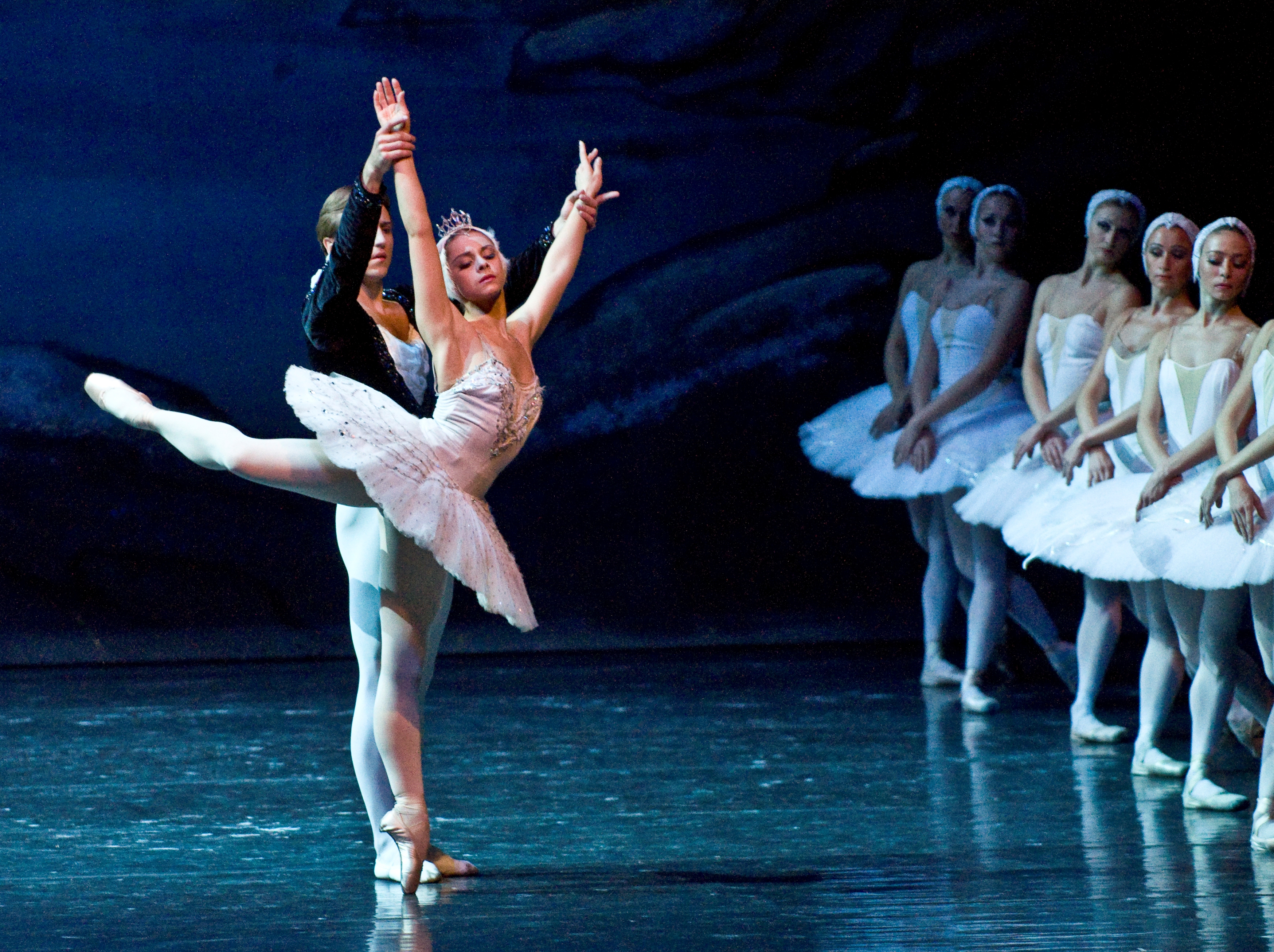 Swan Lake's Siegfried, Odette and Swans