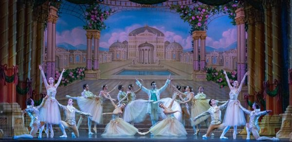 Moscow Ballet Waltz of the Roses