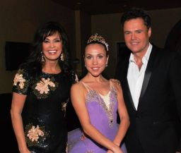 rsz_marie_osmond_moscow_ballets_svetlana_todinova_and_donny_osmond_pose_for_cmnh_fund-raiser.catalog_left_img_size-2