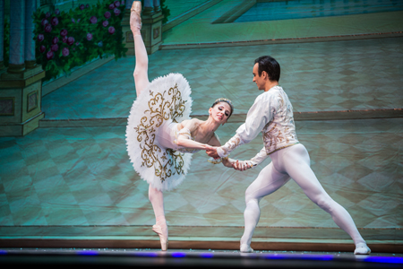 bortiakova-and-batalov-in-grand-pas-de-deux
