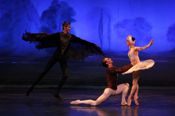 prince sigfried, odette and von rothbart in moscow ballet's swan lake