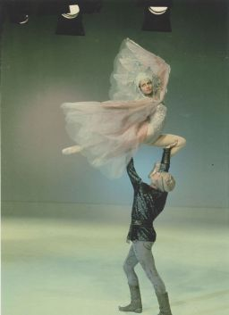 Stanislav Vlasov and partner performing soaring choreography