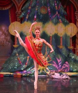 The Great Russian Nutcracker's Kissy Doll (Anna Tyutyunnyk) in Kalamazoo